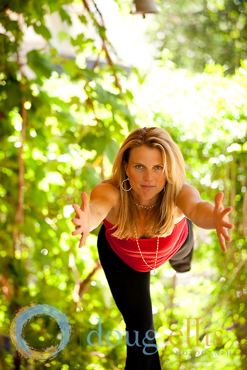 Outdoor yoga photos and yogini portraits for Boulder yogi Alison Litchfield
