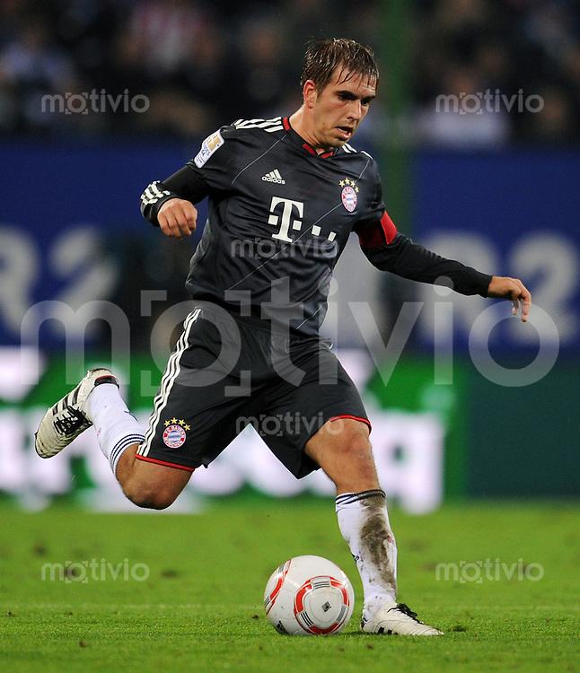 FUSSBALL   1. BUNDESLIGA   SAISON 2010/2011   9. SPIELTAG Hamburger SV - FC Bayern Muenchen                     22.10.2010 Philipp LAHM (FC Bayern Muenchen) Einzelaktion am Ball