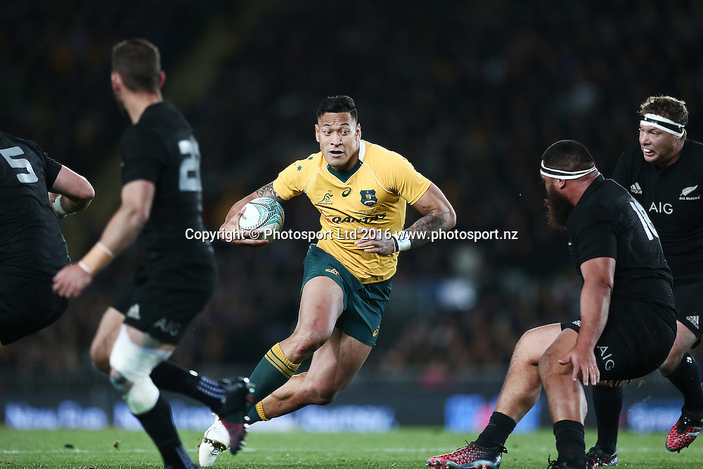 Israel Folau of Australia makes a run. New Zealand All Blacks v Australian Wallabies, Bledisloe Cup, rugby union test match, Eden Park, Auckland, New Zealand. 22 October 2016. © Copyright Image: www.photosport.nz