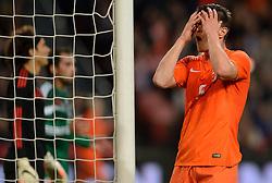 12-11-2014 NED: Oefenwedstrijd Nederland - Mexico, Amsterdam<br /> Nederland verliest met 3-2 van Mexico / Klaas Jan Huntelaar