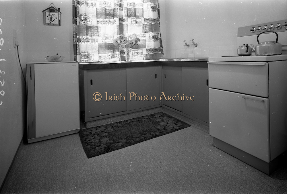 09/06/1967<br /> 06/09/1967<br /> 09 June 1967<br /> Interiors and exteriors of Ballymun Housing, Dublin. Kitchen.