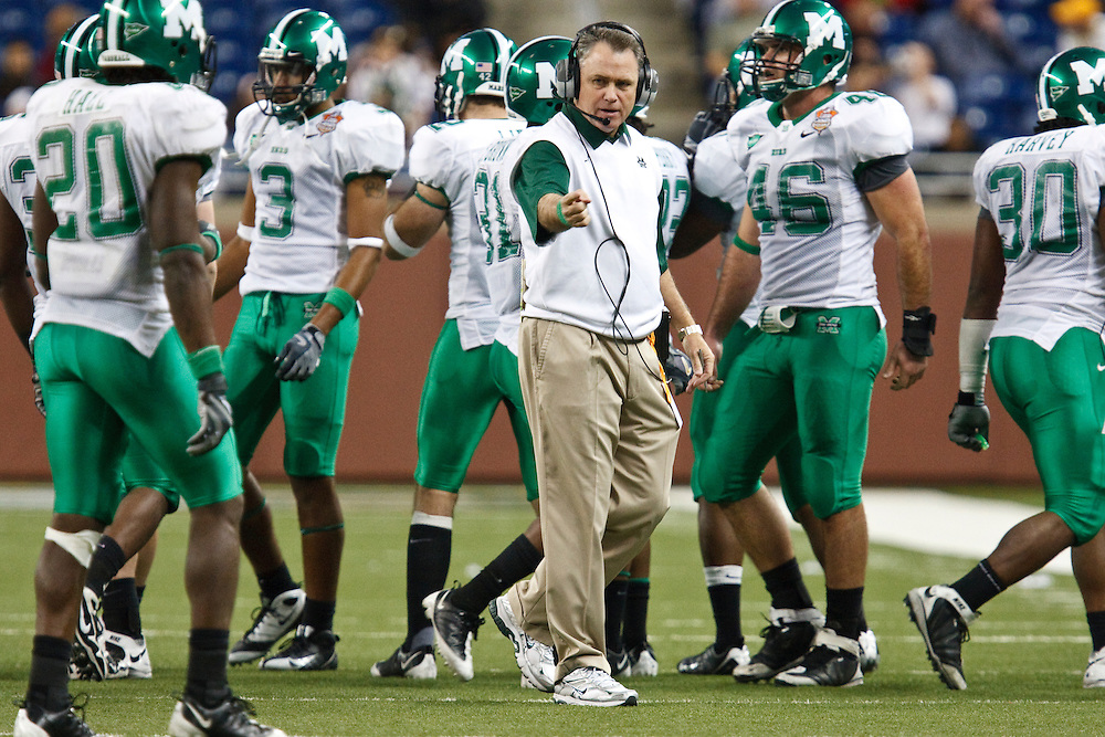 December 26, 2009:  Marshall Head Coach Rick Minter during the NCAA: Little Caesars Pizza Bowl - Ohio vs Marshall at Ford Field Detroit, Michigan. Marshall defeater Ohio 21-17.