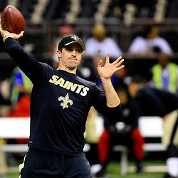 Oct 15, 2015; New Orleans, LA, USA; New Orleans Saints quarterback Drew Brees warms up before a game against the Atlanta Falcons at the Mercedes-Benz Superdome. Mandatory Credit: Derick E. Hingle-USA TODAY Sports
