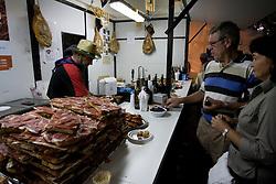 Logron?o (Spain) 20/09/2007 - 51° Fiesta de la Vendimia Riojana 2007 - Muestra de Casas Regionales - Glorieta del Dr. Zubia