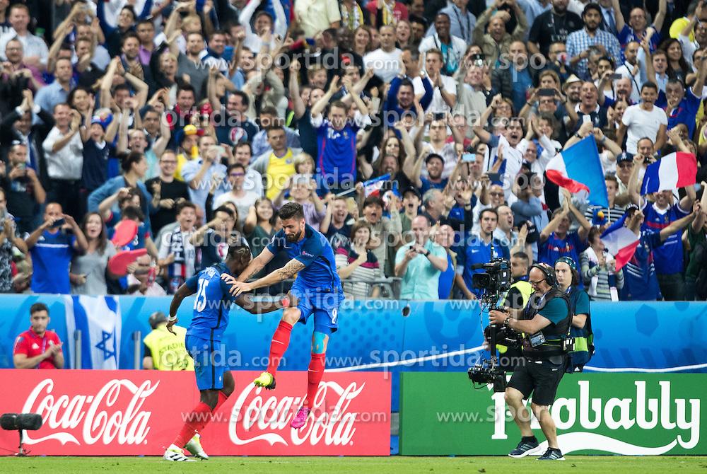 10.06.2016, Stade de France, St. Denis, FRA, UEFA Euro, Frankreich, Frankreich vs Rumaenien, Gruppe A, im Bild Frankreich Jubelt nach dem 1:0 durch Olivier Giroud (FRA) // Goal celebration after 1:0 of Olivier Giroud (FRA) during Group A match between France and Romania of the UEFA EURO 2016 France at the Stade de France in St. Denis, France on 2016/06/10. EXPA Pictures © 2016, PhotoCredit: EXPA/ JFK