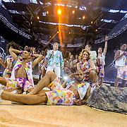 NLD/Amsterdam/20150530 - Toppers concert 2015 Crazy Summer edition, Gerard Joling, Rene Froger en Jeroen van der Boom met de dansers