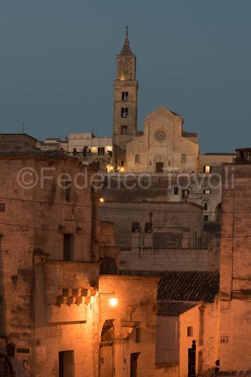 City Cathedral ay dusk