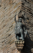 Statue of William Wallace by David Watson Stephenson, 1842–1904, on the National Wallace Monument, or the Wallace Monument, designed by John Thomas Rochead and built 1861-69, on Abbey Craig hill, Stirling, Scotland. The tower commemorates Sir William Wallace, d. 1305, who fought for the Scots during the Scottish Wars of Independence, defeated the English at the Battle of Stirling Bridge and was put to death for treason by Edward I. Inside the monument are 3 storeys of exhibitions. Picture by Manuel Cohen