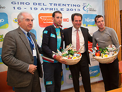 15.04.2013, Lieburg, Lienz, AUT, Giro del Trentino, Pressekonferenz, im Bild v.l. Giacomo Santini (Präsident Giro del Trentino), Vincenzo Nibali, Franz Theuerl (Obmann TVB-Osttirol), Cadel Evans, // during a press conference of the Giro del Trentino at the Lieburg, Lienz, Austria on 2013/04/15. EXPA Pictures © 2013, PhotoCredit: EXPA/ Johann Groder
