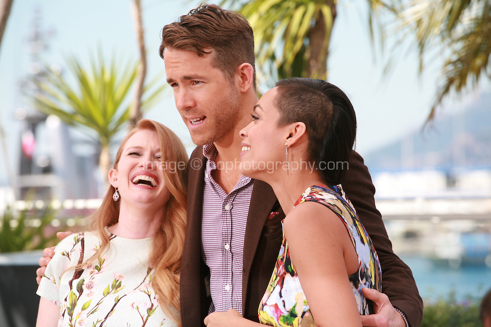 Mireille Enos, Ryan Reynolds and Rosario Dawson at the photocall for the film Captives at the 67th Cannes Film Festival, Friday 16th May 2014, Cannes, France.