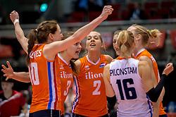 18-05-2016 JAP: OKT Nederland - Dominicaanse Republiek, Tokio<br /> Nederland is weer een stap dichterbij kwalificatie voor de Olympische Spelen. Dit dankzij een 3-0 overwinning op de Dominicaanse Republiek / Lonneke Sloetjes #10, Yvon Belien #3, Femke Stoltenborg #2