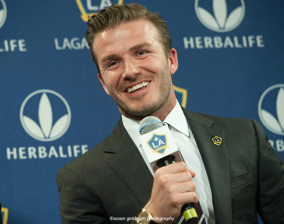Soccer star David Beckham speaks at a news conference to announce his re-signing to Los Angeles Galaxy. Beckham pledged his future to America's Major League Soccer by singing a new two-year contract with the Los Angeles Galaxy. Photo/Herbalife, Susan Goldman.