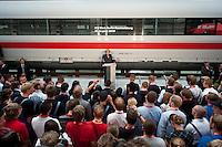 25 AUG 2009, BERLIN/GERMANY:<br /> Angela Merkel (M), CDU, Bundeskanzlerin, haelt eine Rede vor Auszubildenden der Deutschen Bahn, Besuch des ICE Werks Berlin-Rummelsburg<br /> IMAGE: 20090825-01-066<br /> KEYWORDS: Auszubildende