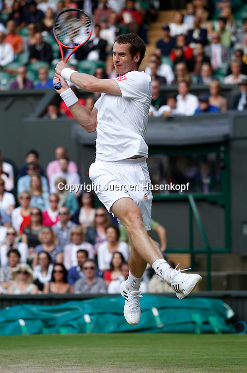 Wimbledon Championships 2012 AELTC,London,.ITF Grand Slam Tennis Tournament, Semi Finale.Herren, Andy Murray (GBR), Aktion,Einzelbild,Ganzkoerper,Hochformat,Power, Dynamik,
