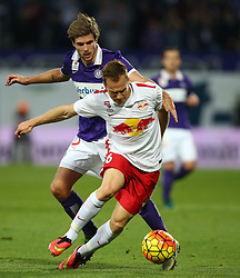 07.11.2015, Generali Arena, Wien, AUT, 1. FBL, FK Austria Wien vs FC Red Bull Salzburg, 15. Runde, im Bild Philipp Zulechner (FK Austria Wien) und Christian Schwegler (FC Red Bull Salzburg) // during Austrian Football Bundesliga Match, 15th Round, between FK Austria Vienna and FC Red Bull Salzburg at the Generali Arena, Vienna, Austria on 2015/11/07. EXPA Pictures © 2015, PhotoCredit: EXPA/ Thomas Haumer