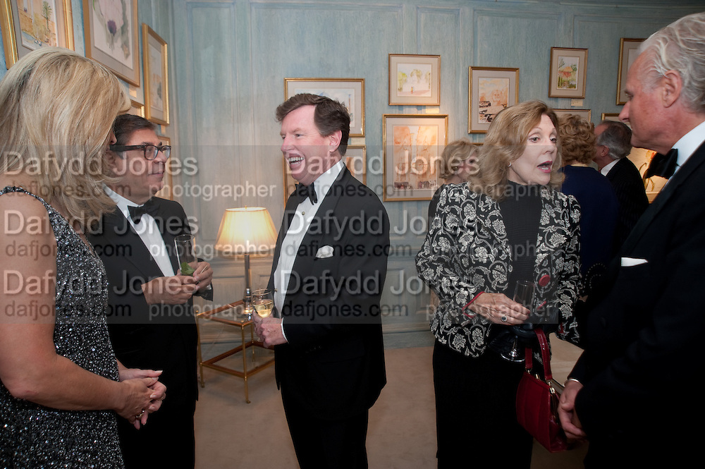 BOB COLLACELLO; TOM QUICK; JILL SACKLER, An exhibition of watercolours by William Rayner at Mallet's, New Bond St. Party afterwards at Bellami's, bruton Place. London. 16 June 2010. .-DO NOT ARCHIVE-© Copyright Photograph by Dafydd Jones. 248 Clapham Rd. London SW9 0PZ. Tel 0207 820 0771. www.dafjones.com.
