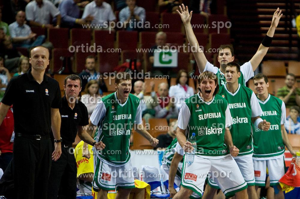 Head coach of Slovenia Jure Zdovc, Jaka Klobucar (9) of Slovenia, Matjaz Smodis (8) of Slovenia, Goran Jagodnik (12) of Slovenia, Primoz Brezec (7) of Slovenia and Goran Dragic (11) of Slovenia during the EuroBasket 2009 Quaterfinals match between Slovenia and Croatia, on September 18, 2009, in Arena Spodek, Katowice, Poland.  (Photo by Vid Ponikvar / Sportida)