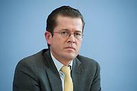 12 APR 2010, BERLIN/GERMANY:<br /> Karl-Theodor zu Guttenberg, CDU, Bundesverteidigungsminister, waehrend einer Pressekonferenz zur Vorstellung der Strukturkommission der Bundeswehr, Bundespressekonferenz<br /> IMAGE: 20100412-01-012