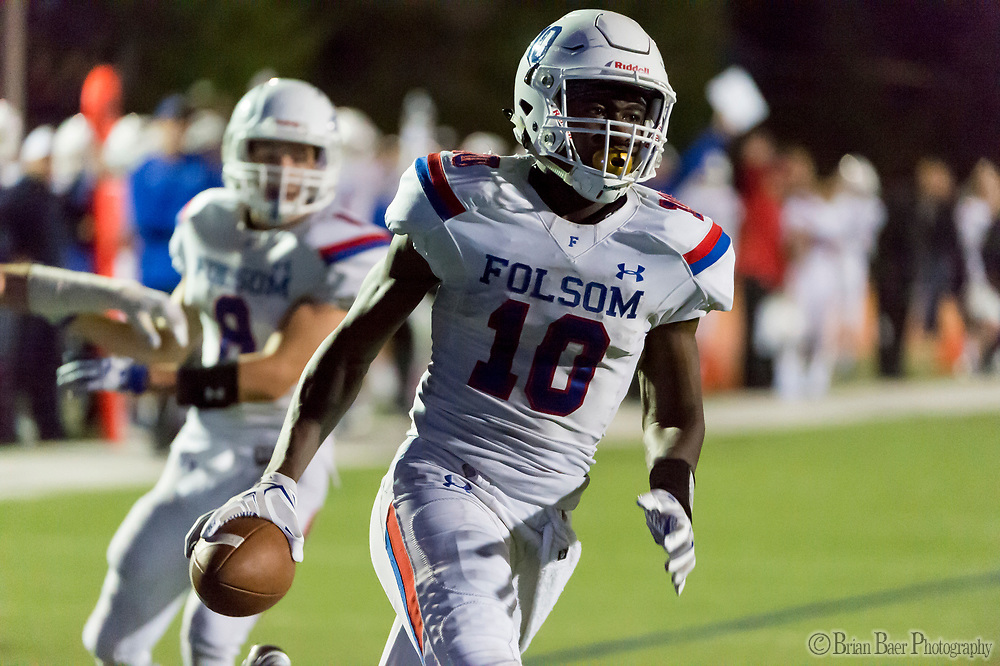 Folsom Bulldogs Joe Ngata (10), runs for a touchdown to lead 35-14 after the point after attempt was good during the third quarter as the Oak Ridge Trojans football team host the Folsom Bulldogs, Friday Nov 3, 2017.<br /> photo by Brian Baer