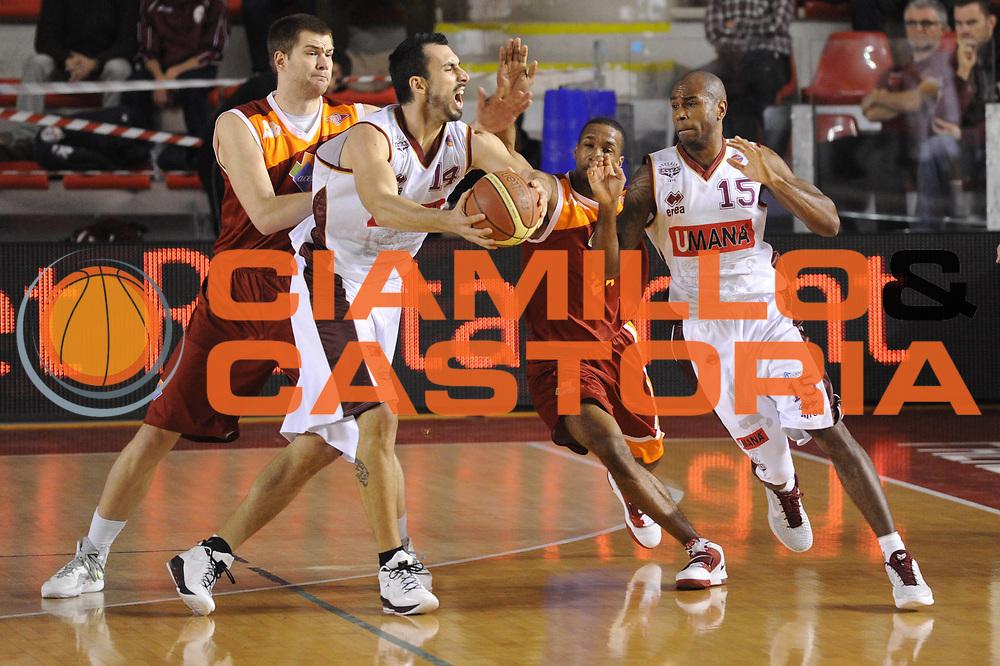 DESCRIZIONE : Roma Lega A 2011-12 Acea Virtus Roma Umana Reyer Venezia<br /> GIOCATORE : Tommaso Fantoni<br /> CATEGORIA : curiosit&agrave;<br /> SQUADRA : Umana Reyer Venezia<br /> EVENTO : Campionato Lega A 2011-2012<br /> GARA : Acea Virtus Roma Umana Reyer Venezia<br /> DATA : 30/12/2011<br /> SPORT : Pallacanestro<br /> AUTORE : Agenzia Ciamillo-Castoria/GiulioCiamillo<br /> Galleria : Lega Basket A 2011-2012<br /> Fotonotizia : Roma Lega A 2011-12 Acea Virtus Roma Umana Reyer Venezia<br /> Predefinita :