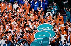 1996 USA: VOLLEYBAL: NEDERLAND OLYMPISCH SPELEN: ATLANTA <br /> Sluiting ceremonie OS 1996 met oa. Guido Gortzen, Richard Schuil, Peter Blange, Bas van de Goor