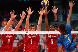 21-09-2019 NED: EC Volleyball 2019 Poland - Spain, Apeldoorn<br /> 1/8 final EC Volleyball / Maciej Muzaj #2 of Poland, Piotr Nowakowski #1, Wilfredo Leon Venero #9 of Poland