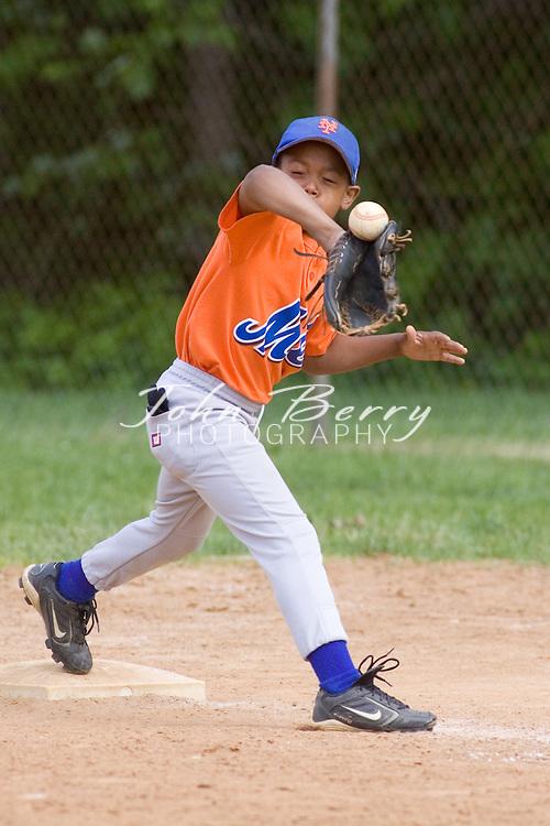 Madison Parks and Rec Baseball.Minors.Mets vs Cardinals.5/19/2007