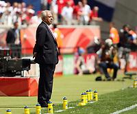 Photo: Chris Ratcliffe.<br /> England v Paraguay. Group B, FIFA World Cup 2006. 10/06/2006.<br /> Anibal Ruiz, coach of Paraguay.