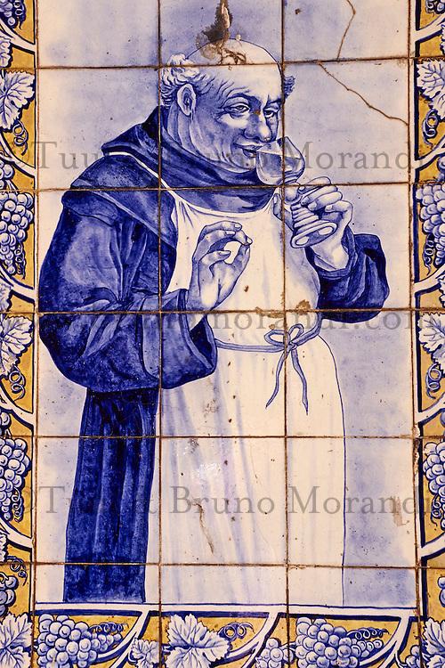 Portugal, Lisbonne, quartier de Baixa pombalin, détail, azulejos  // Portugal, Lisbon, Baixa pombalin, azulejo, tile depict