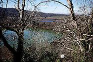 Monticchio Laghi (PZ) 12.03.2011 - Il degrado dei laghi di Monticchio (PZ). Lo scorcio dei laghi ripreso dall'Abbazia di San Michele.