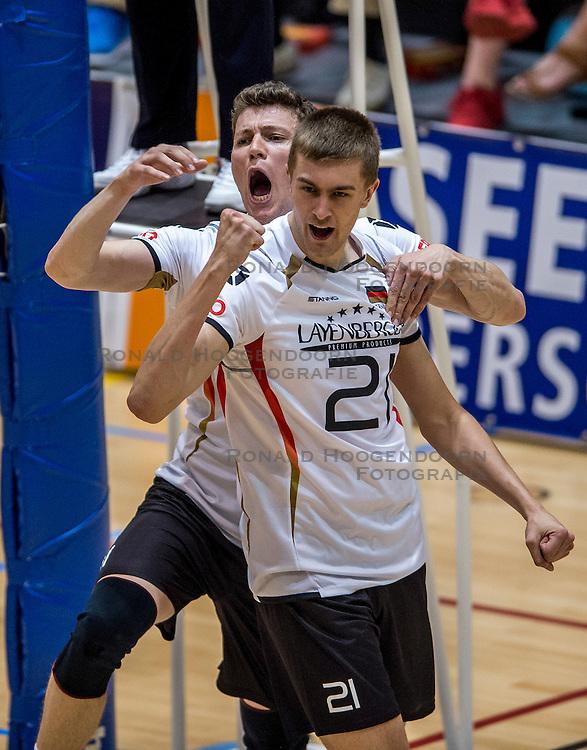 05-06-2016 NED: Nederland - Duitsland, Doetinchem<br /> Nederland speelt de laatste oefenwedstrijd ook in  Doetinchem en speelt gelijk 2-2 in een redelijk duel van beide kanten / Wessel Keemink #2, Jan Zimmermann #9