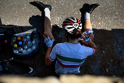 Elena Cecchini tries to cool down at Giro Rosa 2016 - Stage 6. A 118.6 km road race from Andora to Alassio, Italy on July 7th 2016.