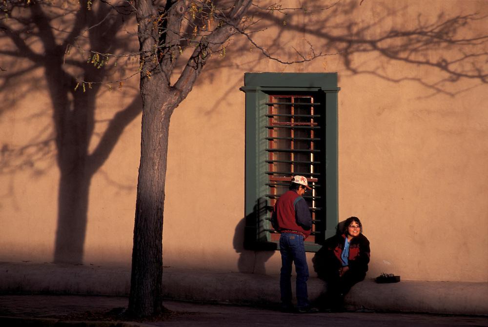 Native Americans talking at Palace of the Governors, Santa Fe, New Mexico, USA