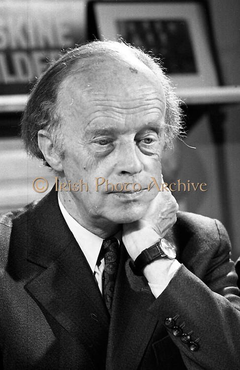Erskine Childers Press Conference..1973..31.05.1973..05.31.1973..31st May 1973..At a press conference at Fianna Fail headquarters, Mr Erskine Childers, was confirmed as the winner of the presidential campaign. He won by a margin of 52% to 48% beating the favourite Tom O'Higgins,Fine Gael..A portrait of President Elect,Mr Erskine Childers, at his press conference.
