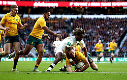 Marland Yarde of England tackles Dane Haylett-Petty of Australia - Mandatory by-line: Robbie Stephenson/JMP - 03/12/2016 - RUGBY - Twickenham - London, England - England v Australia - Old Mutual Wealth Series