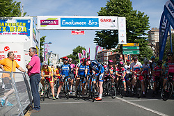Team WNT prepare at the front before the start to defend Katie Archibald's (GBR) blue jersey during Stage 5 of the Emakumeen Bira - a 95.2 km road race, starting and finishing in Errenteria on May 21, 2017, in Basque Country, Spain. (Photo by Balint Hamvas/Velofocus)