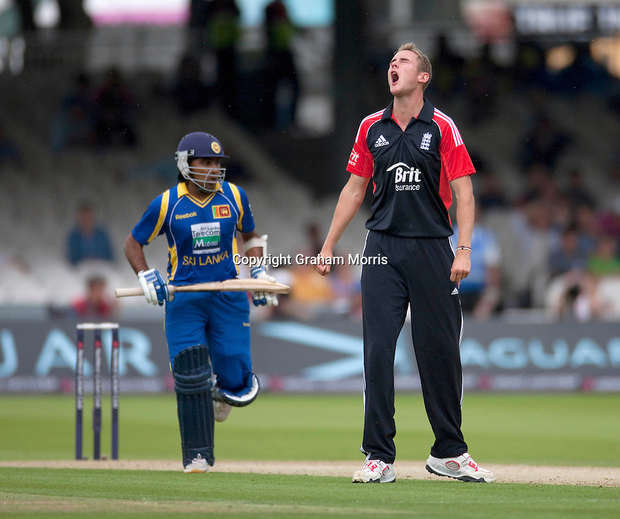 Bowler Stuart Broad is frustrated by his own team-mates fielding as much as Mahela Jayawardene's batting (left) during the third one day international between England and Sri Lanka at Lord's, London. Photo: Graham Morris (Tel: +44(0)20 8969 4192 Email: sales@cricketpix.com) 03/07/11