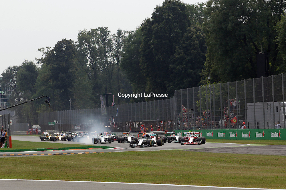 &copy; Photo4 / LaPresse<br /> 04/09/2016 Monza, Italy<br /> Sport <br /> Grand Prix Formula One Italia 2016<br /> In the pic: start