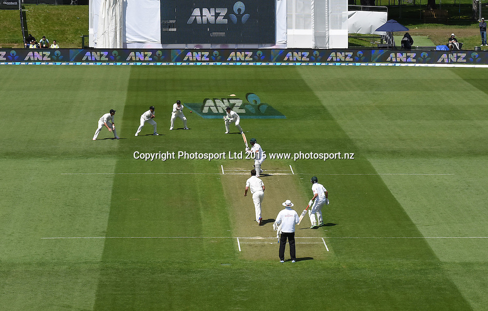 Ross Taylor takes a catch to dismiss Babar Azam off the bowling of de Grandhomme. New Zealand Black Caps v Pakistan. Day 2, 1st test match. Friday 18 November 2016. Hagley Oval, Christchurch, New Zealand. © Copyright photo: Andrew Cornaga / www.photosport.nz