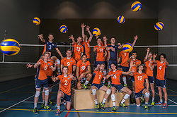 23-02-2016 NED: Selectie volleybalteam Jong Oranje mannen, Arnhem<br /> Fotoshoot met de mannen die na 1 januari 1997 zijn geboren /