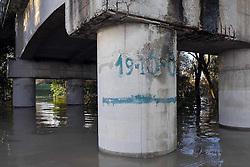 IL SEGNO INDICA DOVE ARRIVO' LA PIENA DEL 19 OTTOBRE 2000