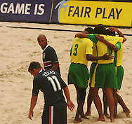 Football - FIFA Beach Soccer World Cup 2006 - Group A - BRA X USA - Rio de Janeiro - Brazil 07/11/2006<br />
