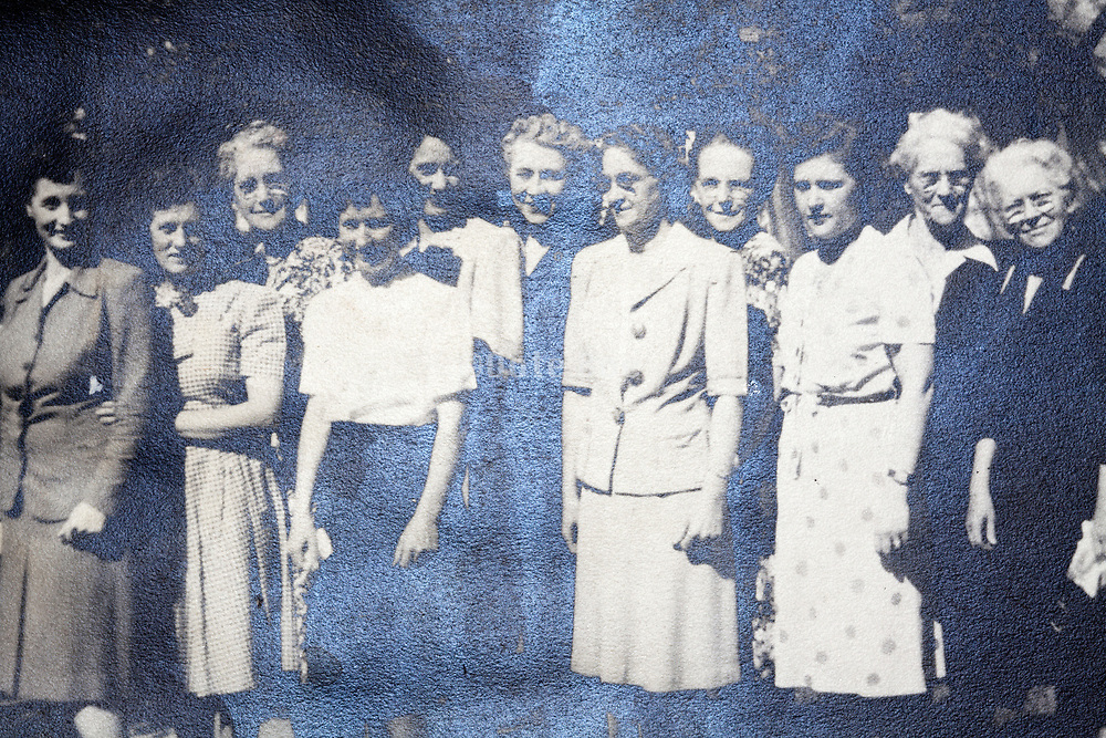 women only group portrait 1948