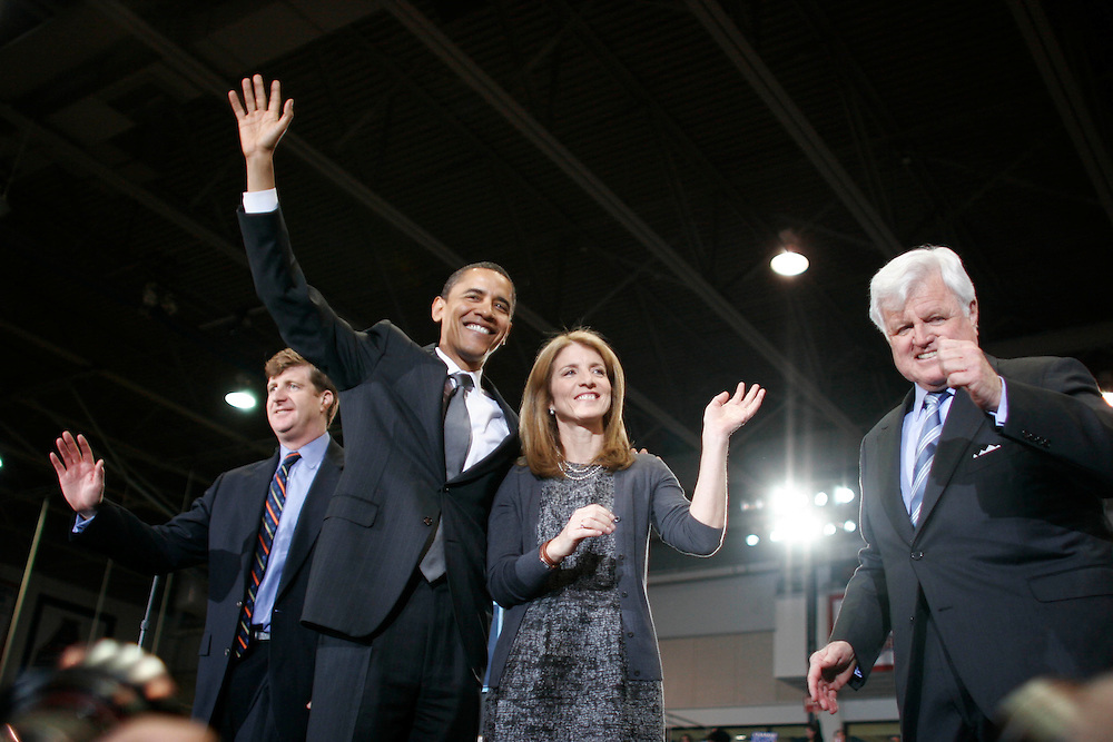 Washington, Jan. 28, 2008 - From left: Rep. Patrick Kennedy (D-RI), Presidential candidate Sen. Barack Obama, (D-IL), Caroline Kennedy, and Sen. Ted Kennedy (D-MA) wave to a crowd of supporters during a campaign stop at American University in Washington on Monday, Jan. 28, 2008.  The Kennedys officially endorsed Obama's White House bid today.///