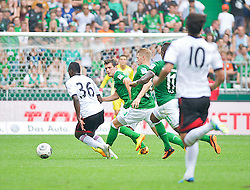 "28.07.2013, Weserstadion, Bremen, GER, 1.FBL, ""Tag der Fans 2013"" des SV Werder Bremen, Testspiel SV Werder Bremen vs Fulham FC, im Bild mit vereinten Kräften stoppen Zlatko Junuzovic (Bremen #16), Aaron Hunt (Bremen #14) und Eljero Elia (SV Werder Bremen #11) den Konter von Buomesca Tue Na Bangna (Fulham FC #36) // during the ""Tag der Fans 2013"" of the German Bundesliga Club SV Werder Bremen at the Weserstadion, Bremen, Germany on 2013/07/28. EXPA Pictures ¬© 2013, PhotoCredit EXPA Andreas Gumz ***** ATTENTION - OUT OF GER *****"