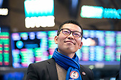 18.03.28 - Onesmart IPO at the New York Stock Exchange