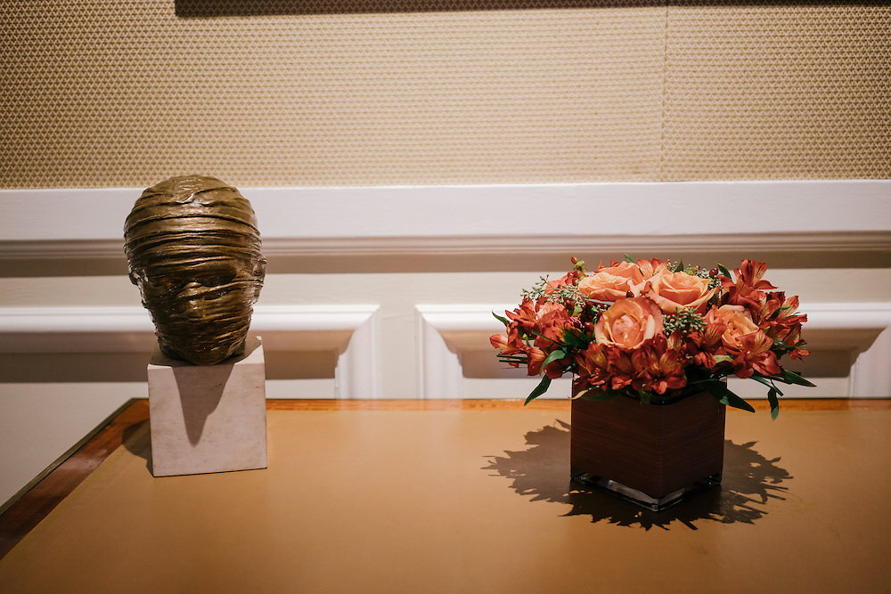 Igor Mitoraj, Veiled head. sculpture in the salon Empire (Empire room) of the French Ambassador's residence in the Kalorama neighborhood of Washington D.C. France acquired the residence in 1936.