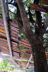 Pergolas. Avenida Icaria. Barcelona. Miralles y Pinos Architects