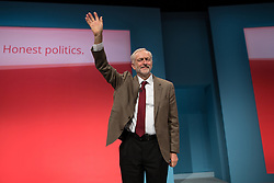 © Licensed to London News Pictures . 29/09/2015 . Brighton , UK . JEREMY CORBYN waves after delivering his speech to the 2015 Labour Party Conference . Photo credit : Joel Goodman/LNP