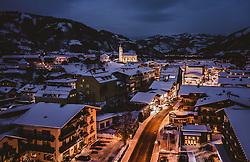 THEMENBILD - Blick auf das winterliche Kaprun bei Dämmerung, aufgenommen am 15. Januar 2019 in Kaprun, Oesterreich // Dusk ar the snowcovered Village Kaprun, Austria on 2019/01/15. EXPA Pictures © 2019, PhotoCredit: EXPA/ JFK